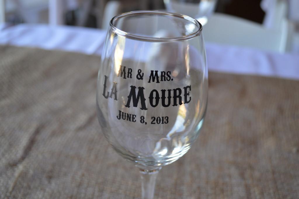 Custom Wine Glasses Wedding Favor